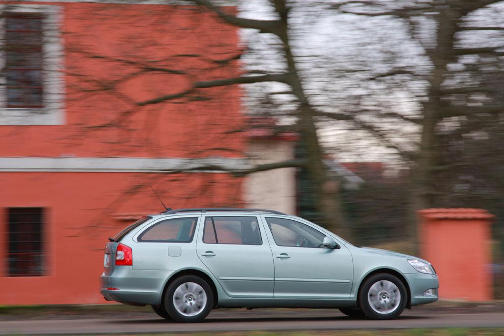Automobily Škoda Octavia Combi 1.8 TSI 4x4