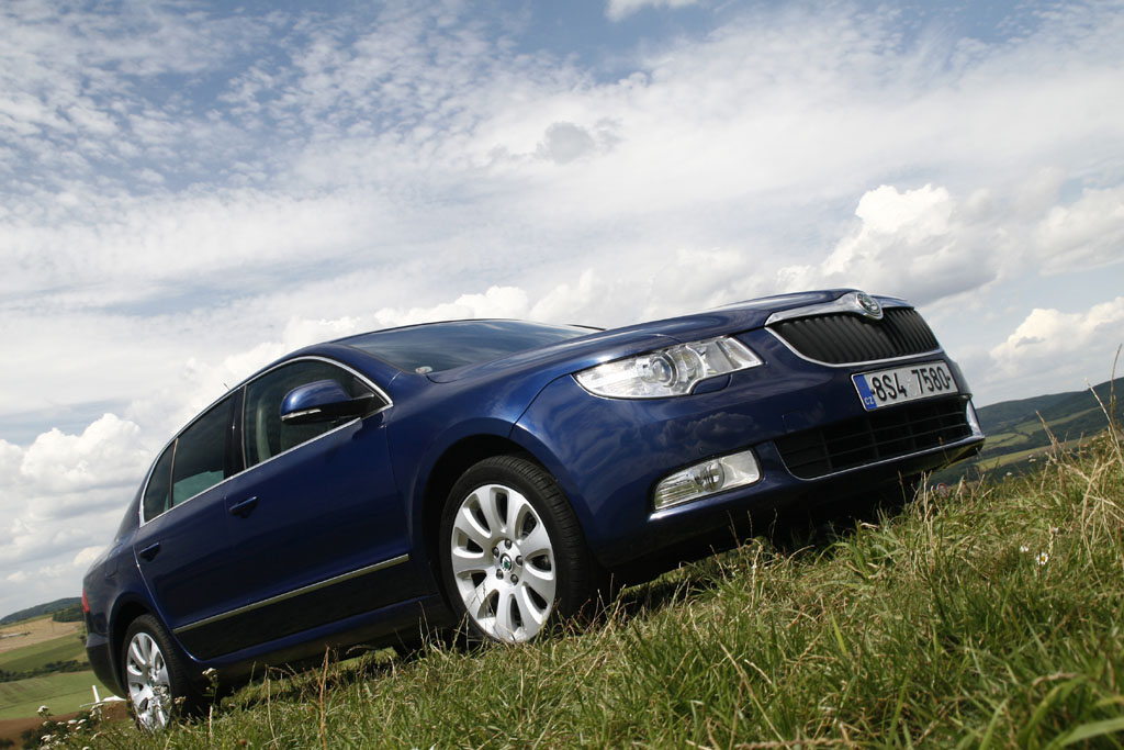 Automobily Škoda Superb 1.8 TSI Ambition