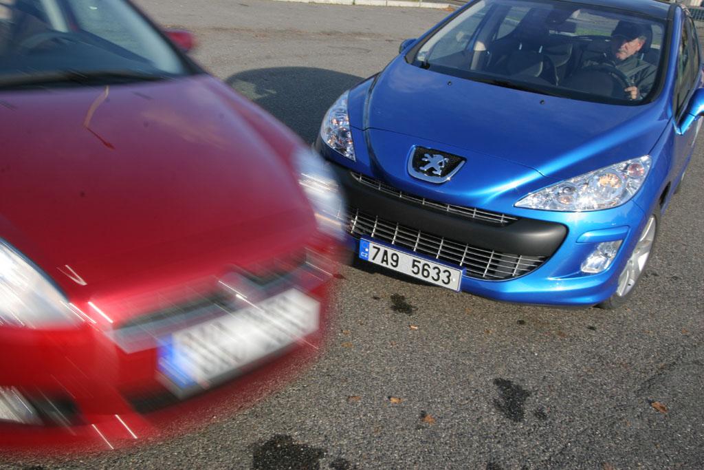 Automobily Fiat Bravo 1.4 T-Jet vs. Peugeot 308 1.6 THP