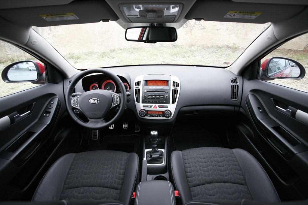 Automobily Kia Pro_Cee´d 2.0 CRDi