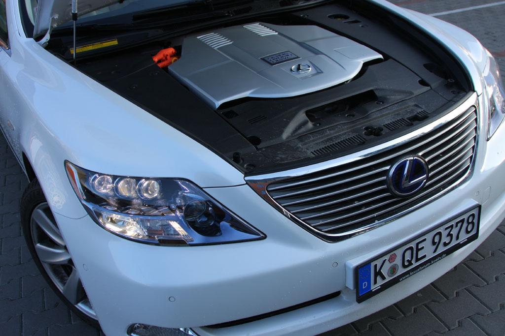 Automobily Lexus LS 600h