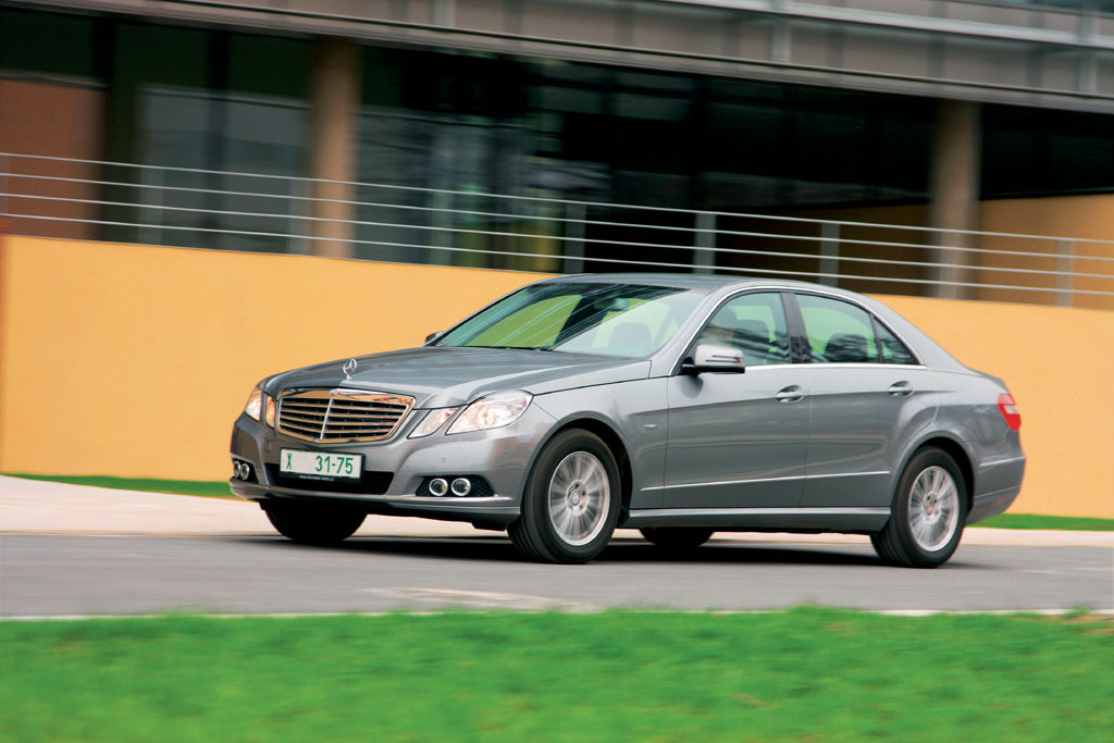 Automobily Mercedes-Benz E 350 CGI  Blue Efficiency Elegance