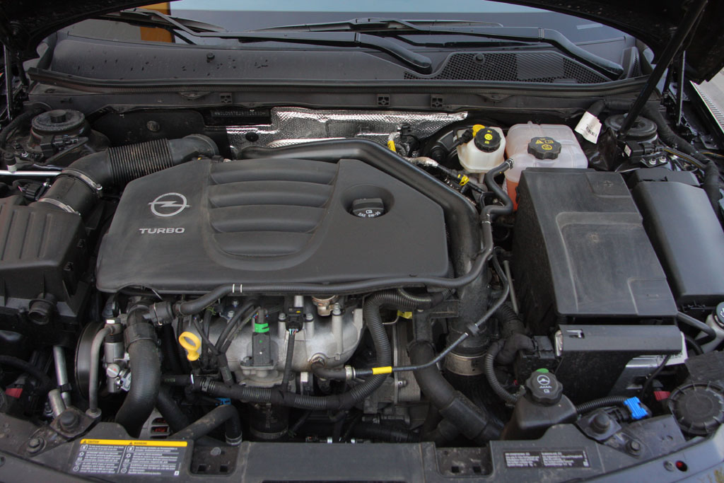 Automobily Opel Insignia 2.0 Turbo Sport