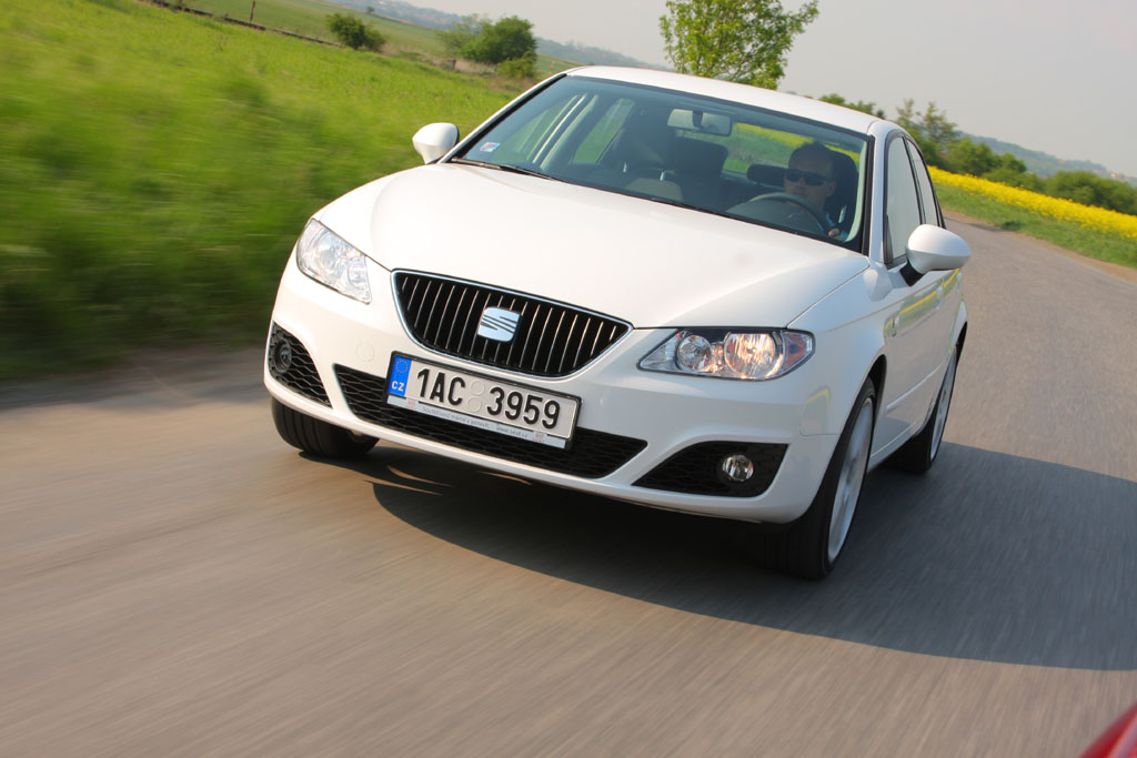 Automobily Seat Exeo 2.0 TDI Reference