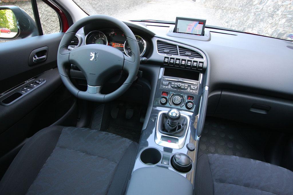 Automobily Peugeot 3008 1.6 THP Premium Pack