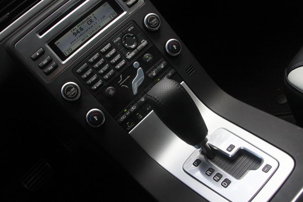 Automobily Volvo V70 T6 AWD R-Design