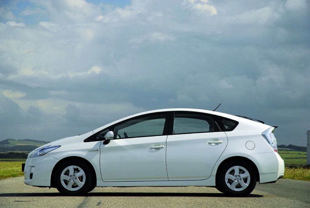 Automobily Toyota Prius Premium