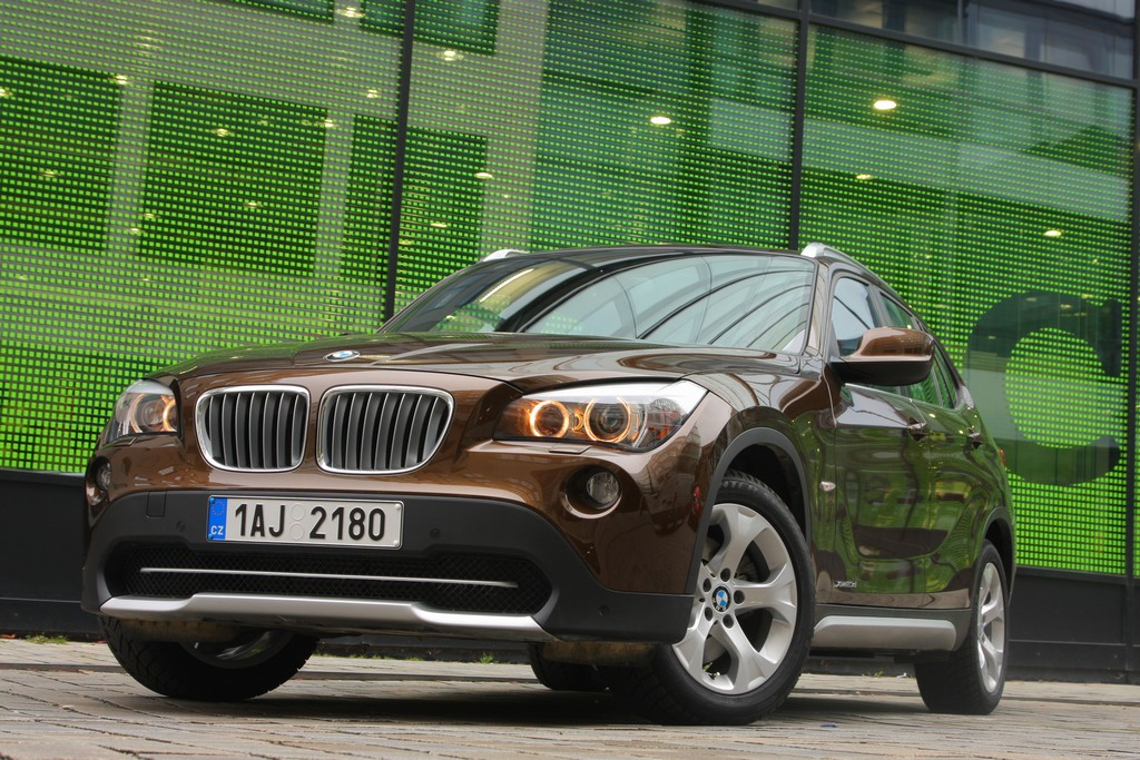 Automobily BMW X1 23xDrive