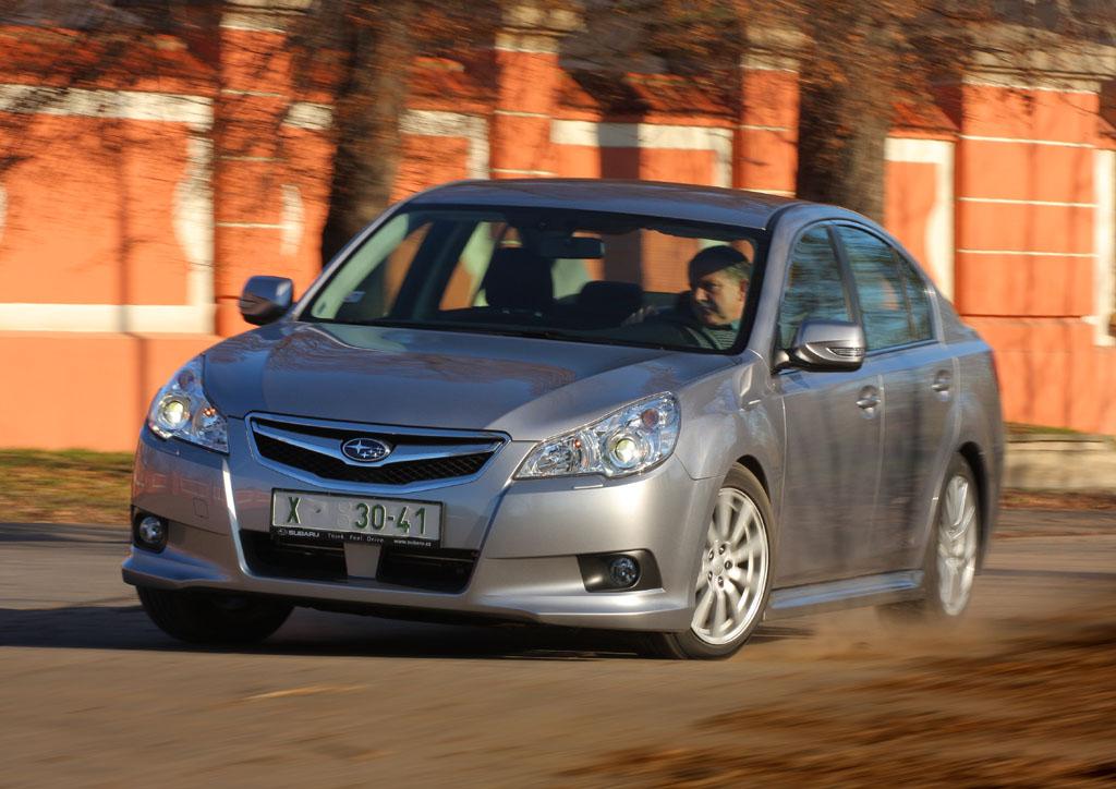 Automobily Subaru Legacy sedan 2.5 Lineartronic