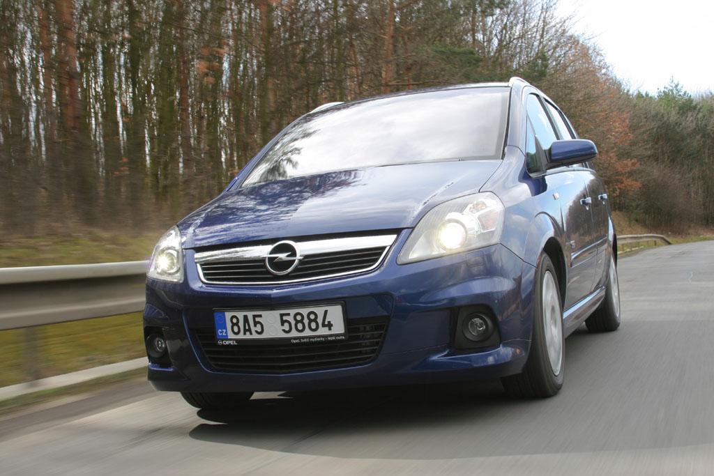 Automobily Opel Zafira 1.7 CDTI Sport OPC Line 2