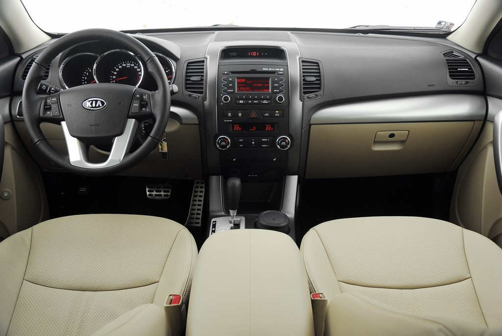 Automobily Kia Sorento 2.2 CRDi 4x4 Exclusive