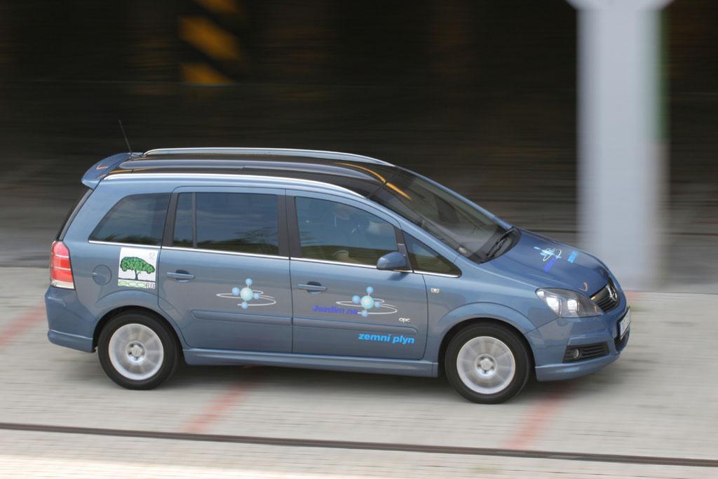 Automobily Opel Zafira 1.6 CNG Cosmo