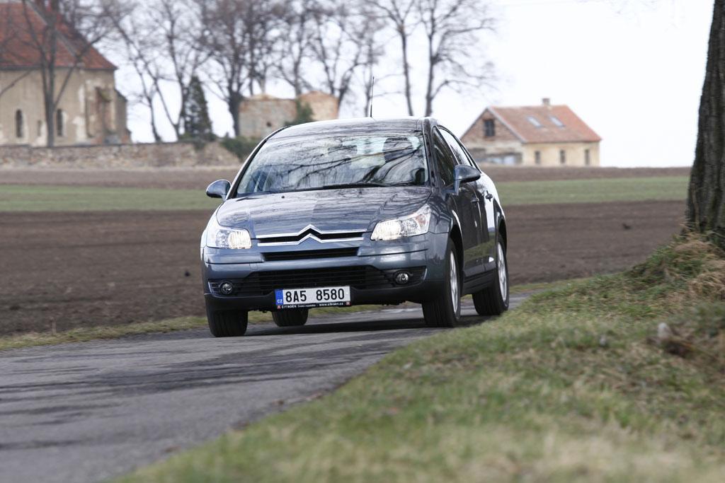 Automobily Citroën C4 Sedan 1.6