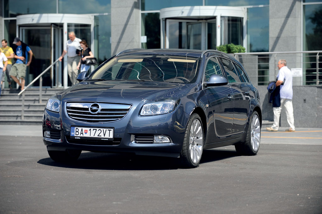 Automobily Opel Insignia ST 2.0 CDTI Sport
