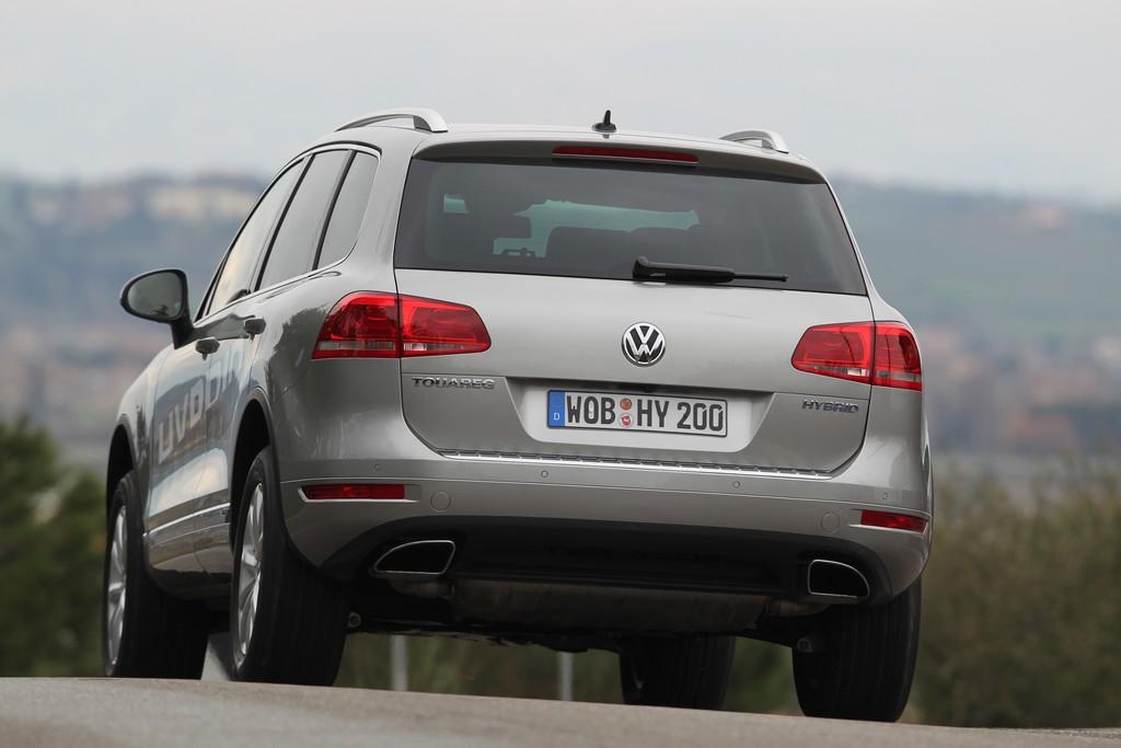 Automobily Volkswagen Touareg Hybrid