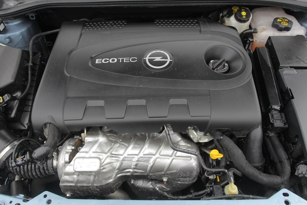 Automobily Opel Astra ST 2.0 CDTI