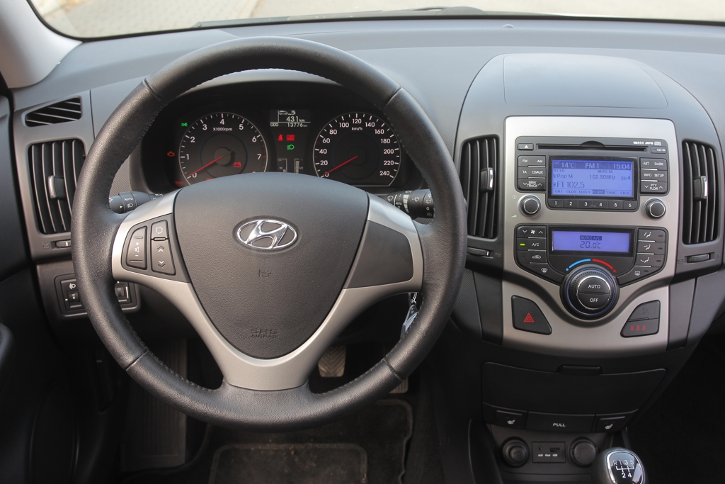 Automobily Hyundai i30cw vs. Škoda Octavia Combi Tour