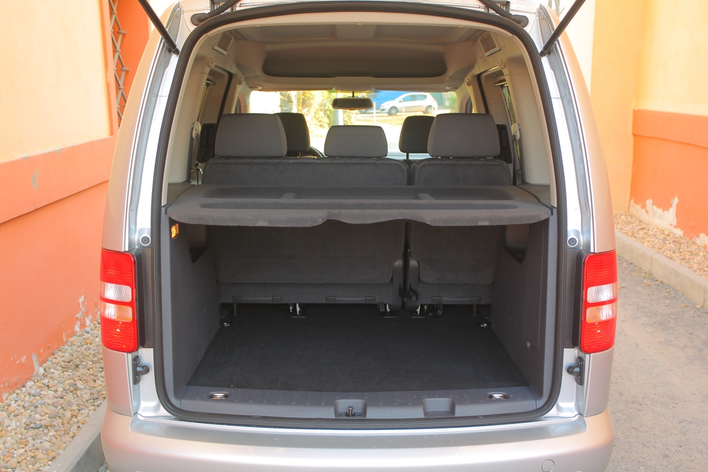 Automobily Volkswagen Caddy 1.6 TDI DSG Comfortline