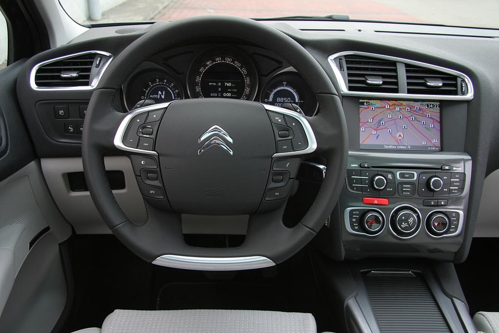 Automobily Citroën C4 1.6 e-HDi Exclusive