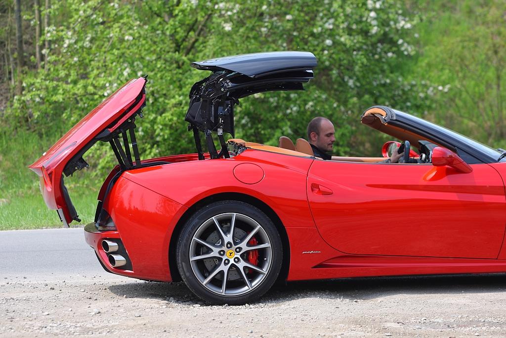 Automobily Ferrari California