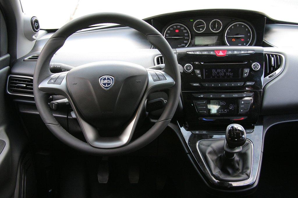 Automobily Lancia Ypsilon 0.9 TwinAir Platinum