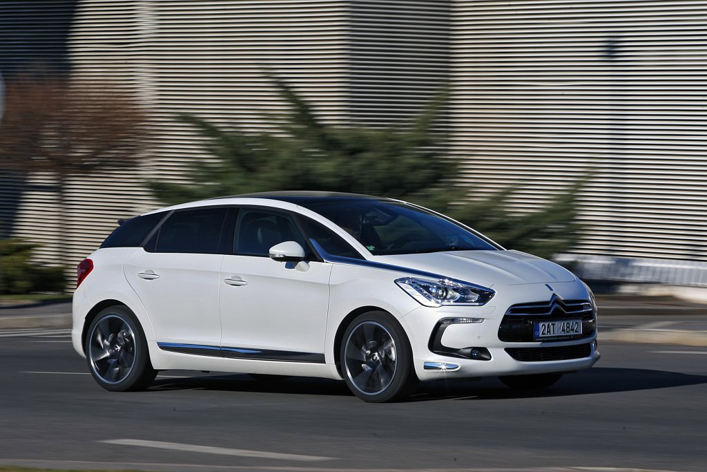 Automobily Citroën DS5 2.0 HDI Sport