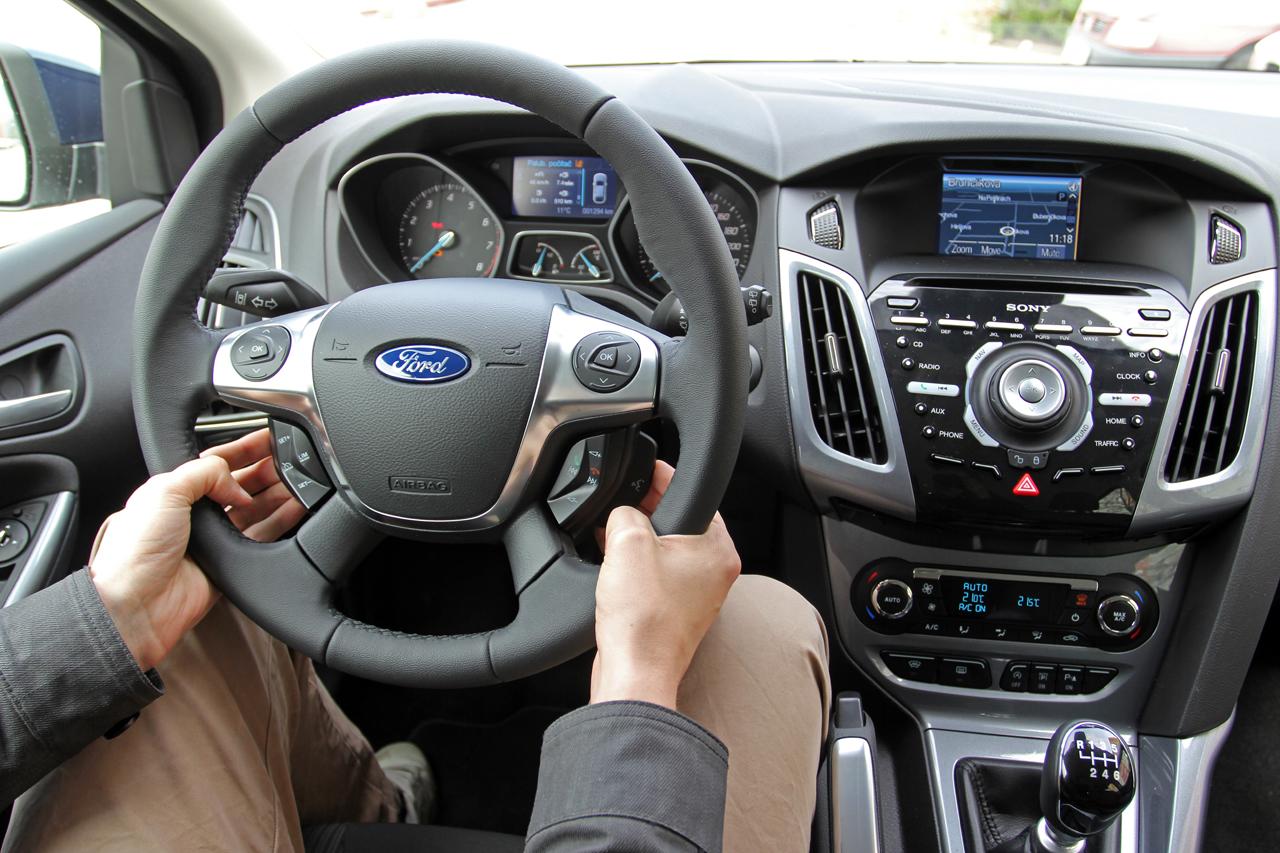 Automobily Ford Focus 1.0 Ecoboost Titanium