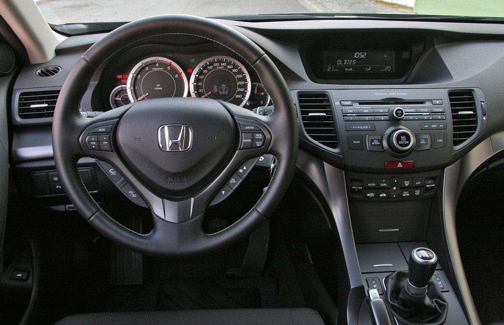 Automobily Honda Accord Tourer 2.2 i-DTEC Lifestyle
