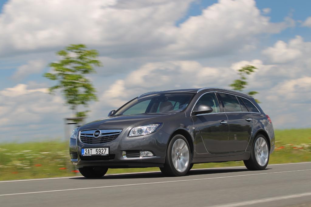 Automobily Opel Insignia ST 2.0 CDTI BiTurbo Cosmo