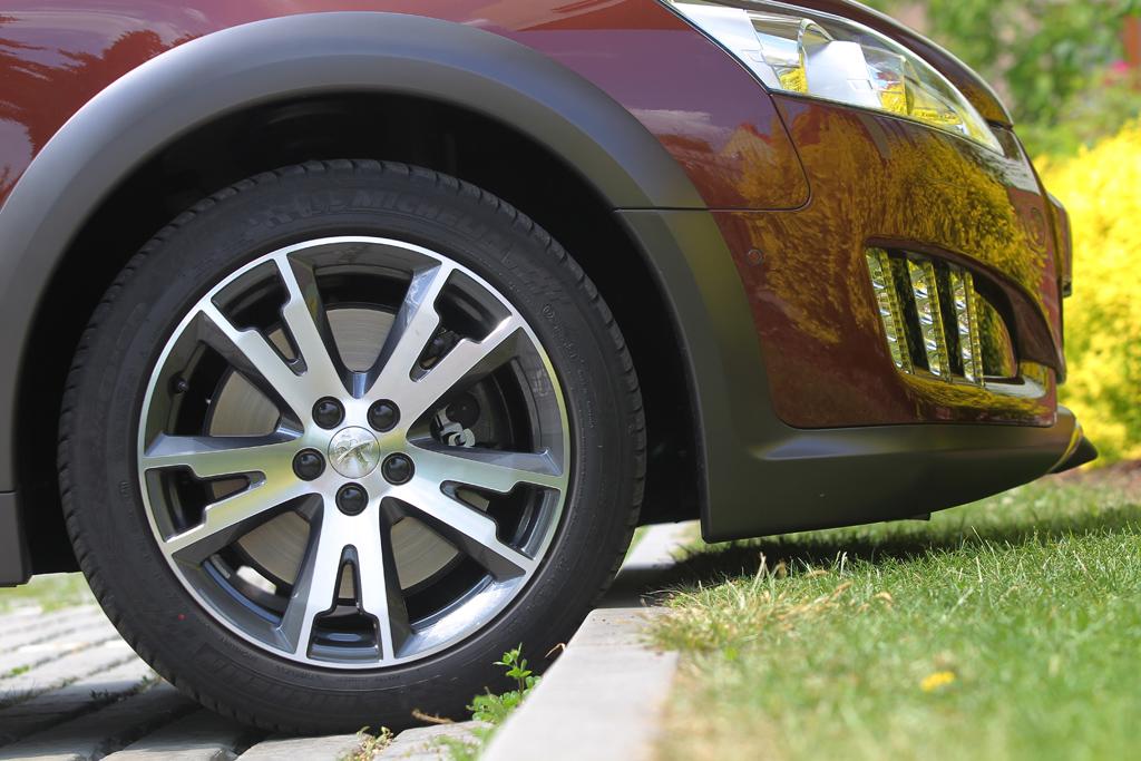 Automobily Peugeot 508 RXH