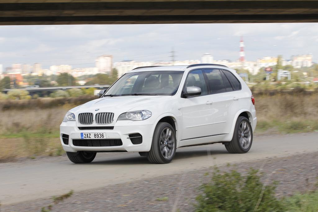 Automobily BMW X5 M50d