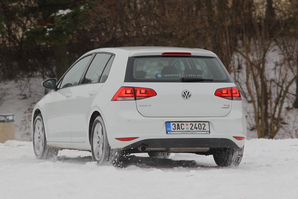 Automobily Volkswagen Golf 1.6 TDI Highline
