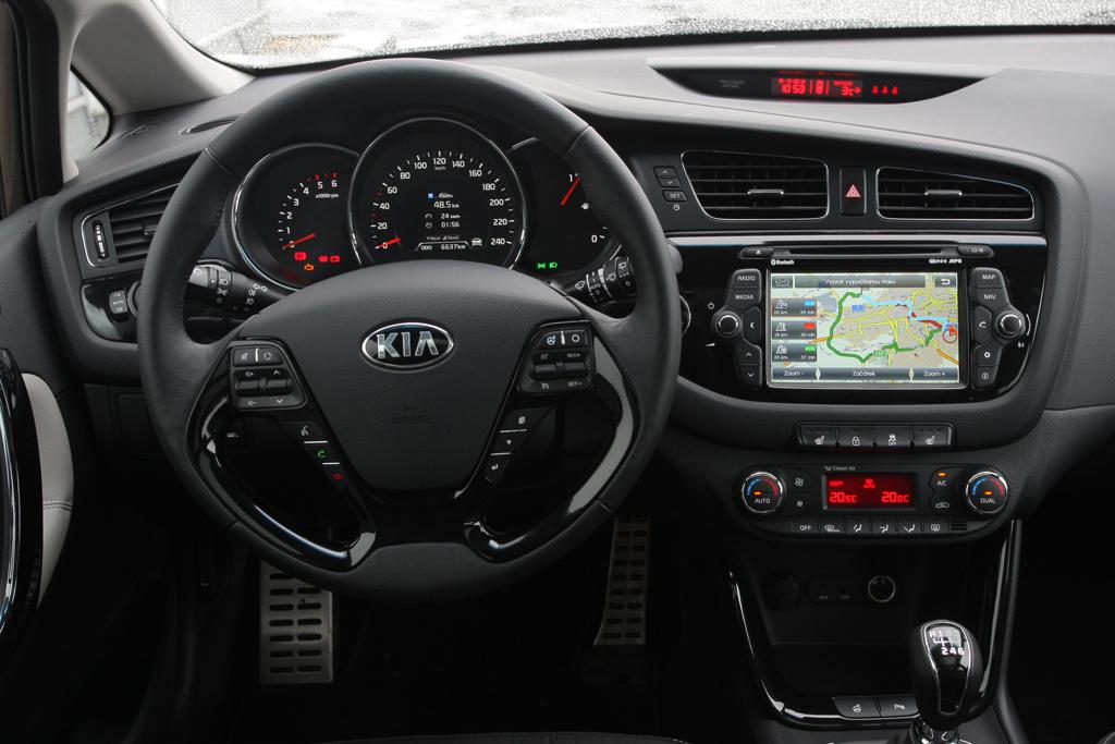 Automobily Kia Cee'd SW 1.6 CRDi Exclusive