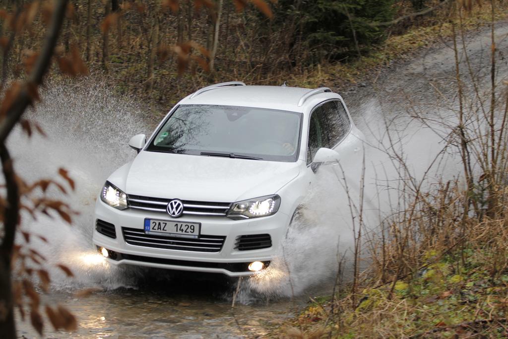 Automobily Volkswagen Touareg 3.0 TDI V6