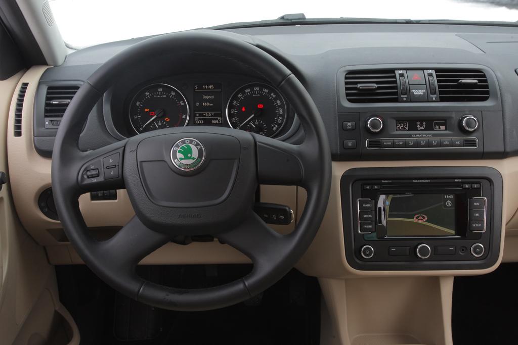Automobily Kia Rio 1.25 CVVT vs. Škoda Fabia 1.2 TSI vs. Renault Clio 0.9 TCe