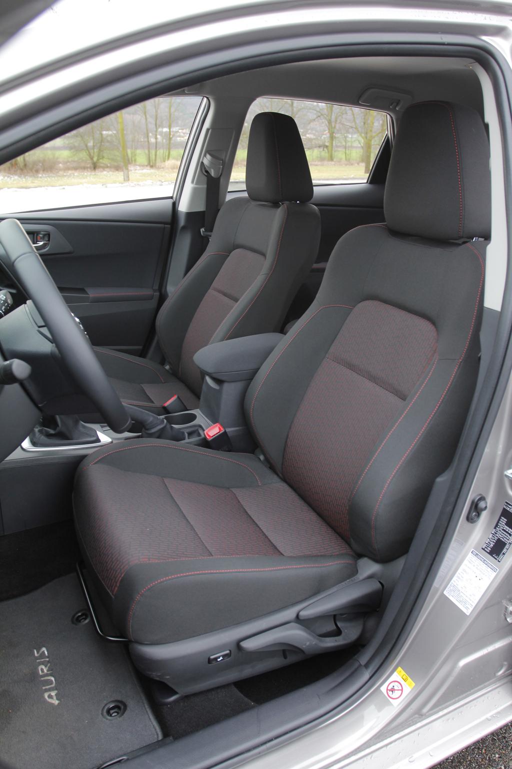 Automobily Toyota Auris 1.6 Valvematic Active
