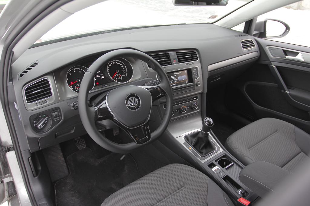 volkswagen golf 1.2 tsi comfortline vs. Škoda rapid 1.2 tsi elegance