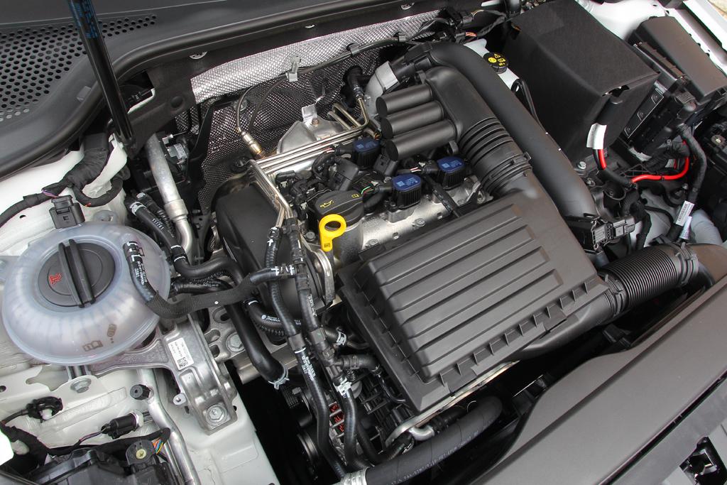 Automobily Volkswagen Golf 1.4 TSI ACT Highline