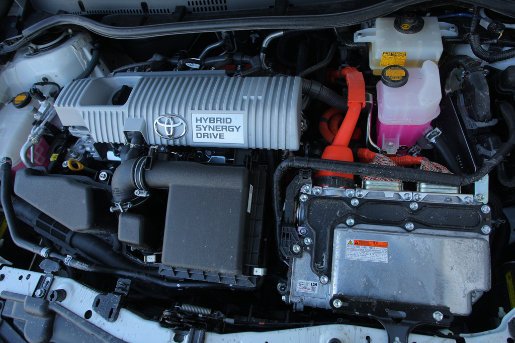 Automobily Toyota Auris Hybrid Style