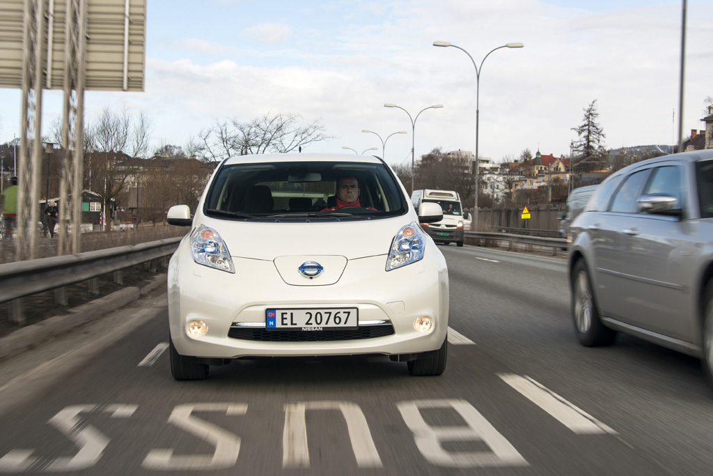 Automobily Nissan Leaf
