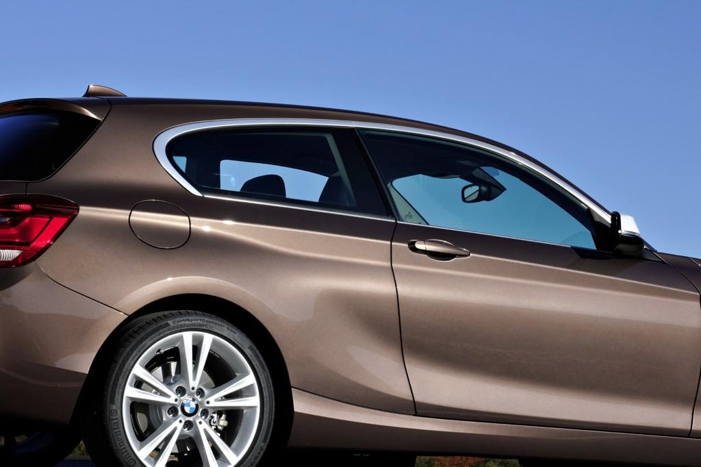 Automobily BMW 1 třídveřové 2012