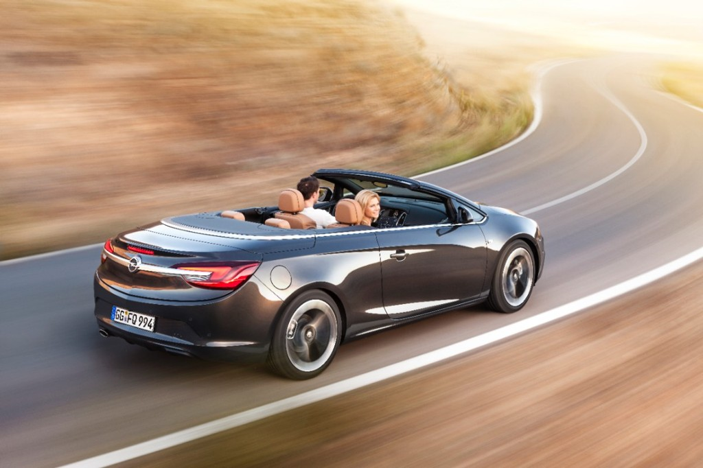 Automobily Opel Cascada 2012