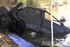 Tenhle ukradený Nissan strávil pod vodou 28 let. Po letech vypadá děsivě
