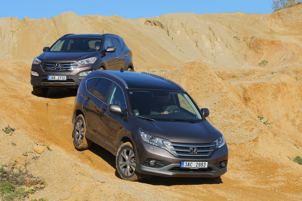 Honda cr v 2 2 i dtec executive vs hyundai santa fe 2 2 for Hyundai santa fe vs honda crv