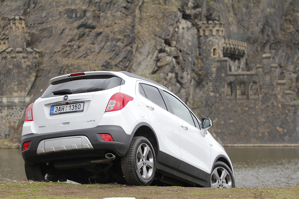 opel mokka 1 7 cdti 4x4 cosmo nafta do k vy autohit. Black Bedroom Furniture Sets. Home Design Ideas