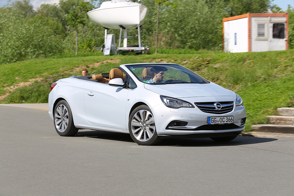 Automobily Opel Cascada 1.6 SIDI Cosmo