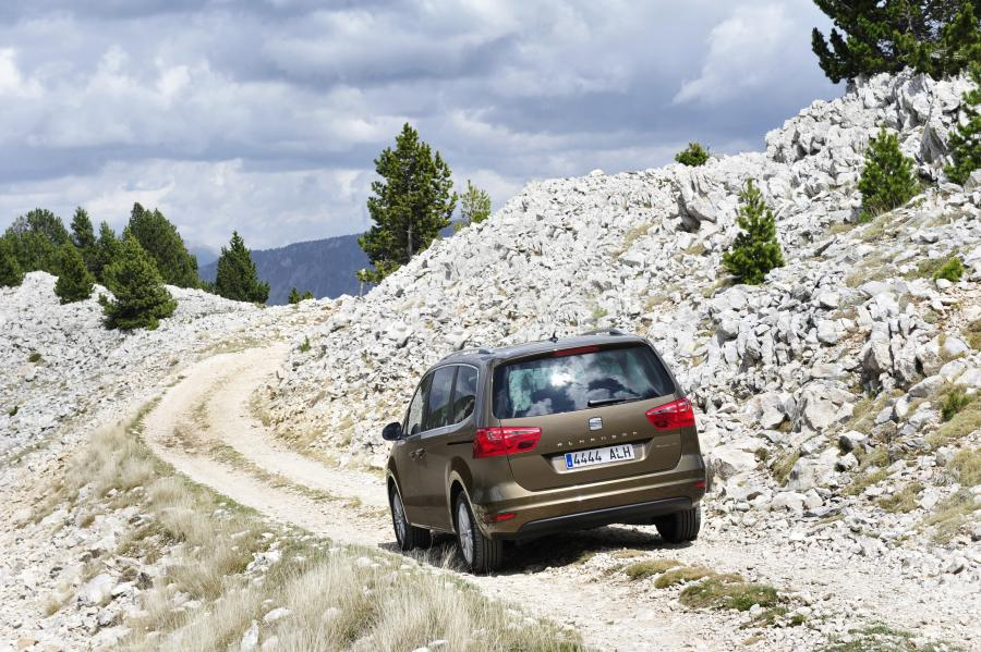 Automobily Seat Alhambra 4WD 2011