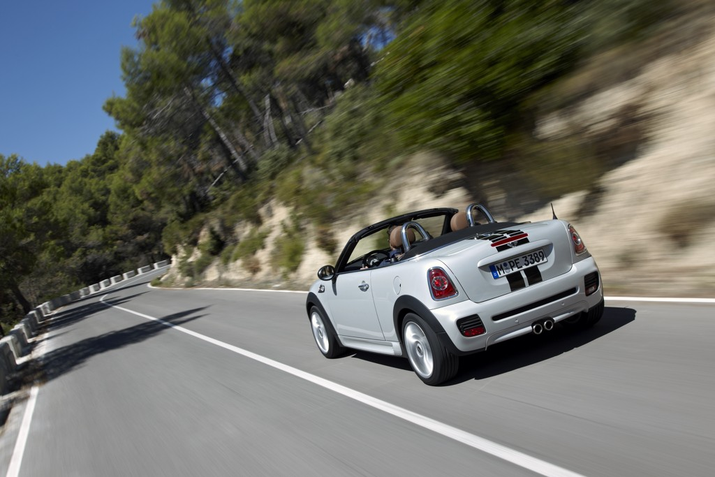Automobily Mini Roadster 2011