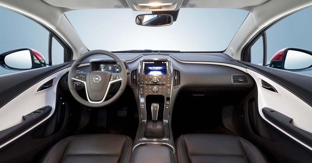 Automobily Opel Ampera 2011