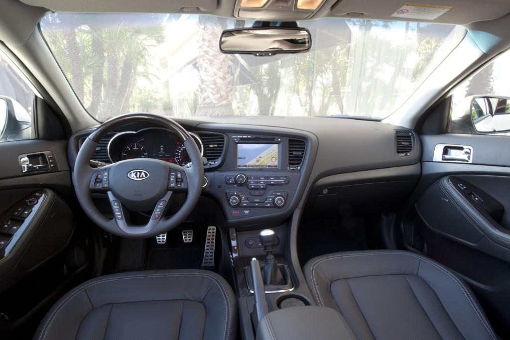 Automobily Kia Optima 2012